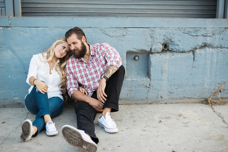 Laid back, urban maternity photography session | One Eleven Photography